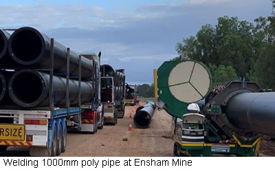 Welding 1000mm poly pipe at Ensham Mine